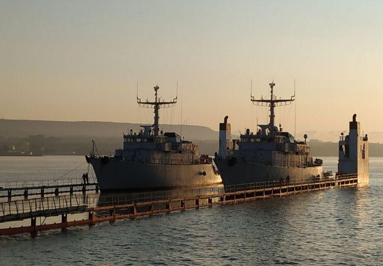 Два новопридобити минни ловци за Военноморските сили бяха снети от борда на полупотопяемия тежковоз SUPER SERVANT 4 във водите на Варненското езеро