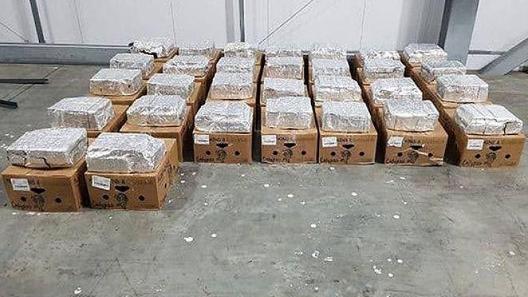 Британската полиция съобщи, че е открила 1 тон кокаин, скрит