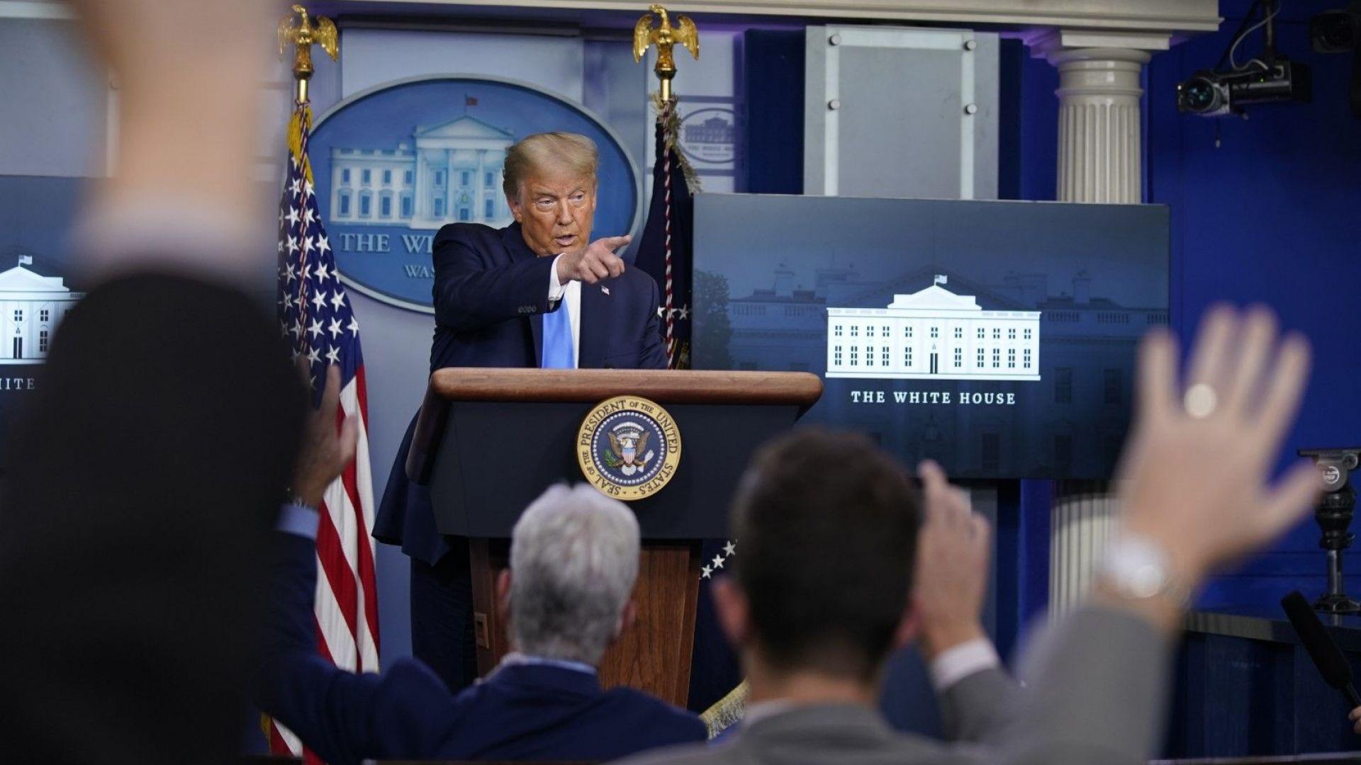 Тръмп отказа да гарантира мирно предаване на властта, ако загуби