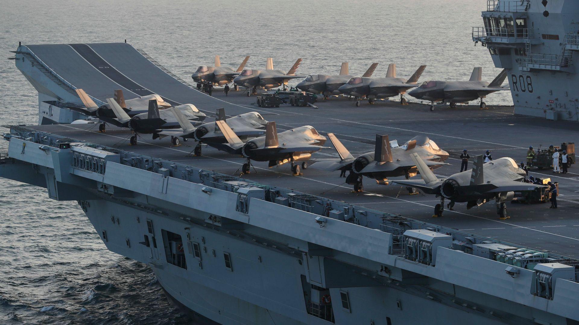 Великобритания показа самолетоносача с най-много стелтове