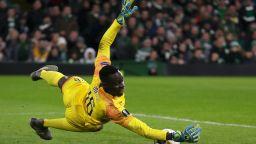 Челси заменя рекордната си вратарска издънка по добре позната схема