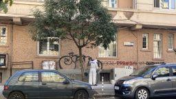 """Чистят от неценцурни графити """"Цар Иван Асен Втори"""""""