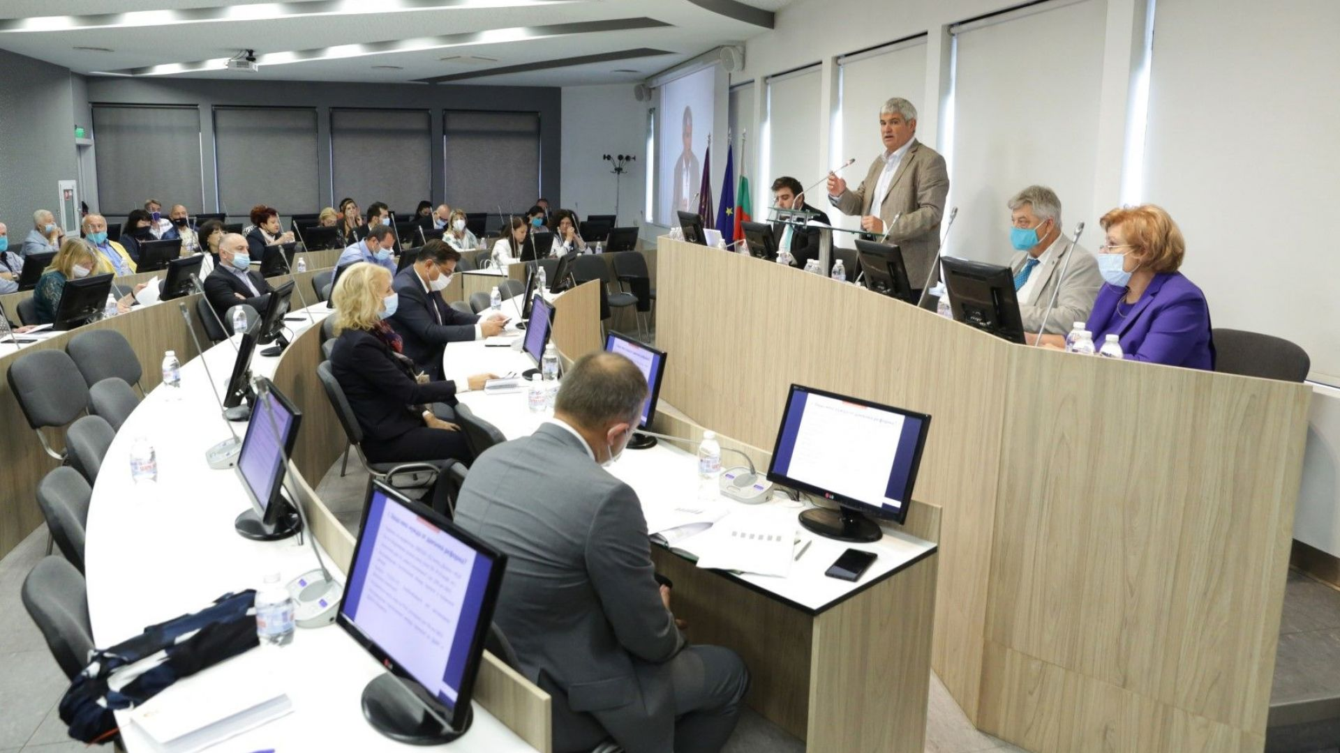 5% българи държат ресурс за 23 млрд. лв.: каква ревизия на данъците лансира КНСБ