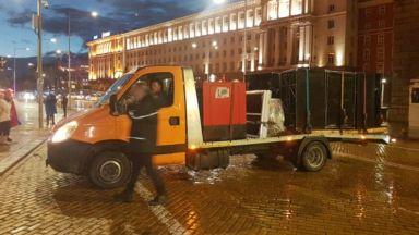 Малоброен протест в дъждовна София на 80-ия ден, за утре готвят голям концерт на Орлов мост
