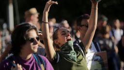 Започна протестният концерт на Орлов мост (снимки)