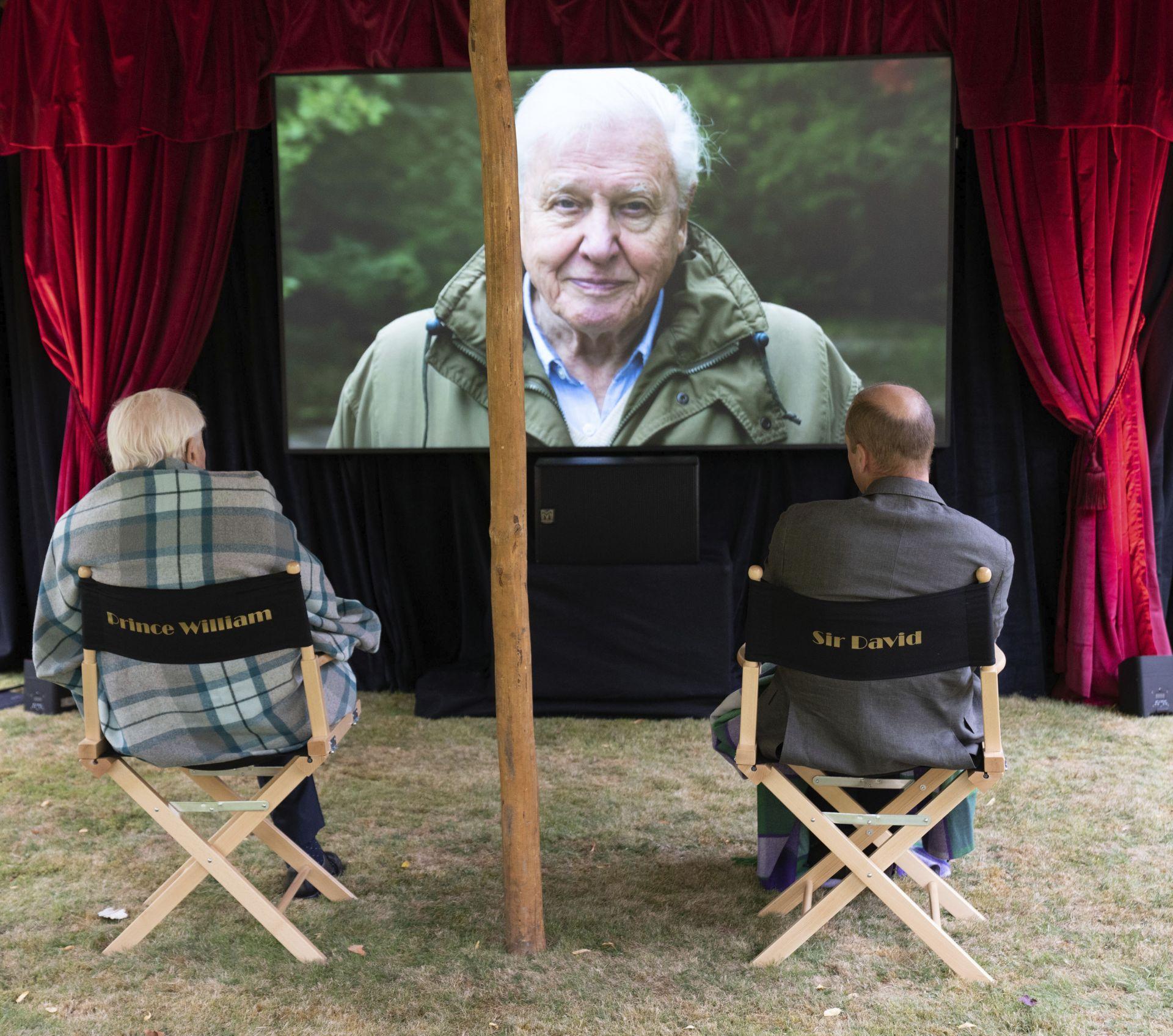"""Приц Уилям и естествоизпитателят Дейвид Атънбъро на предпремиерната частна прожекция на документалния филм """"Дейвид Атънбъро: живот на нашата планета"""""""