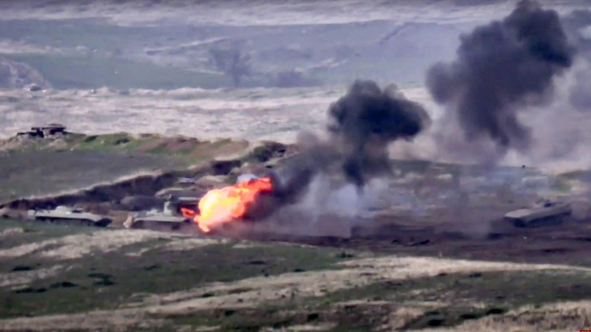 Тежка артилерия от двете страни на Нагорни Карабах