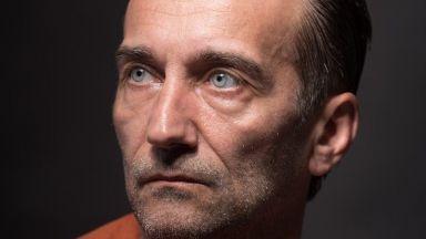 """Режисьорът Стоян Радев Ге. К.: """"Поразените"""" вълнува и разтърсва. А всеки иска емоциите му да бъдат разбушувани"""