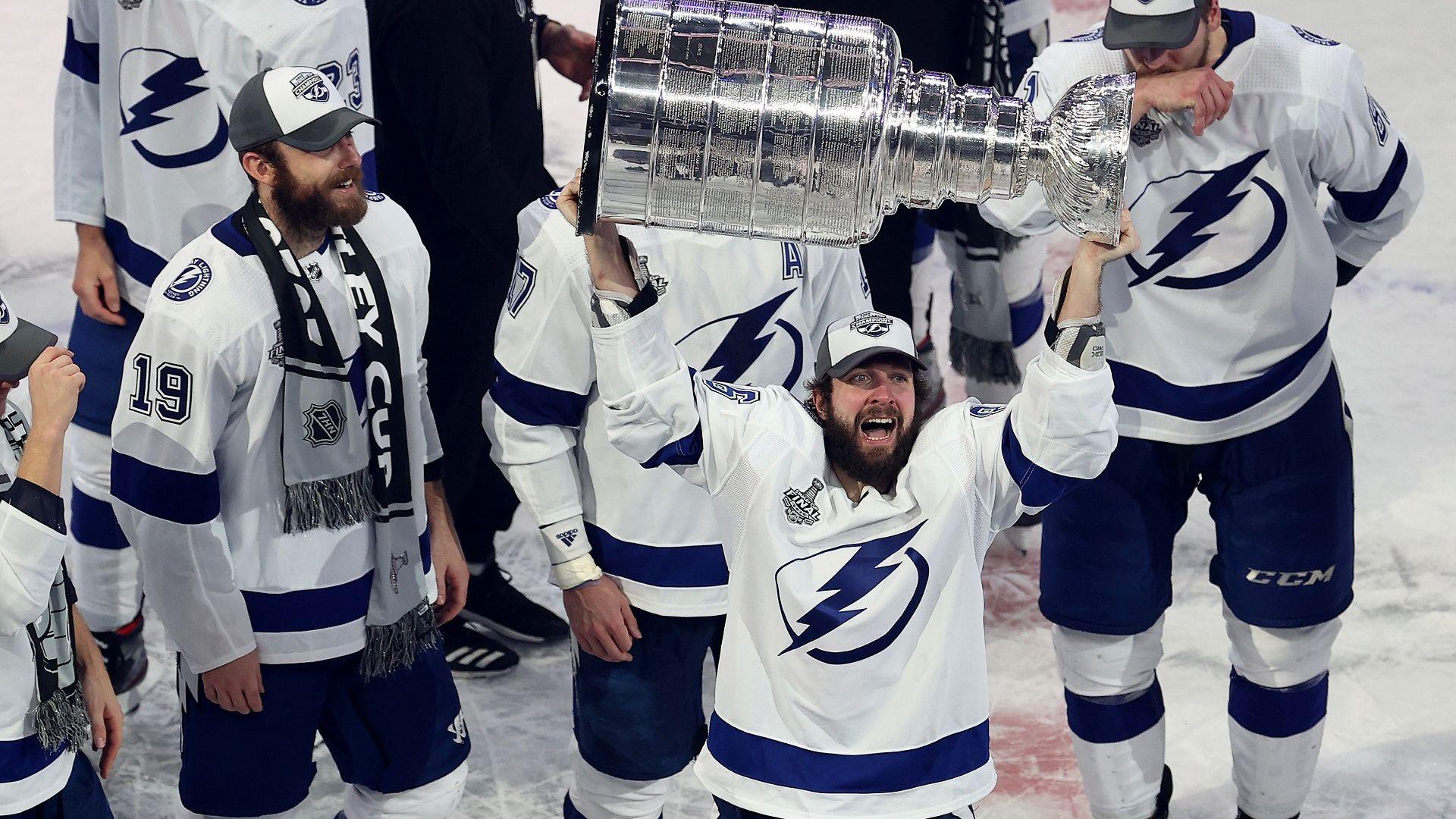 """Тампа Бей е големият шампион в НХЛ с втората си Купа """"Стенли"""""""