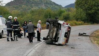 Тежка катастрофа край Велико Търново, двама са загинали
