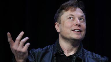 Илон Мъск: Все още съм убеден, че ще пратим хора на Марс през 2026 г.