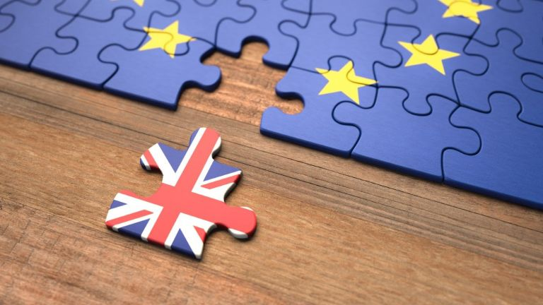 """Великобритания поиска от ЕС отлагане във """"войната на наденичките"""""""