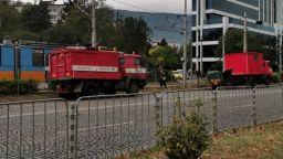 Липсваща релса спря трамвай №5 в София (снимки)