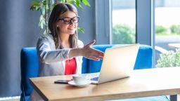 Как да се подготвим успешно за онлайн интервю?
