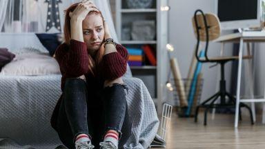 Младите хора са по-тревожни и депресирани от възрастните по време на изолацията