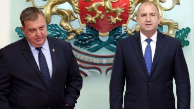 Румен Радев и Красимир Каракачанов в спор за охраната на въздушното пространство