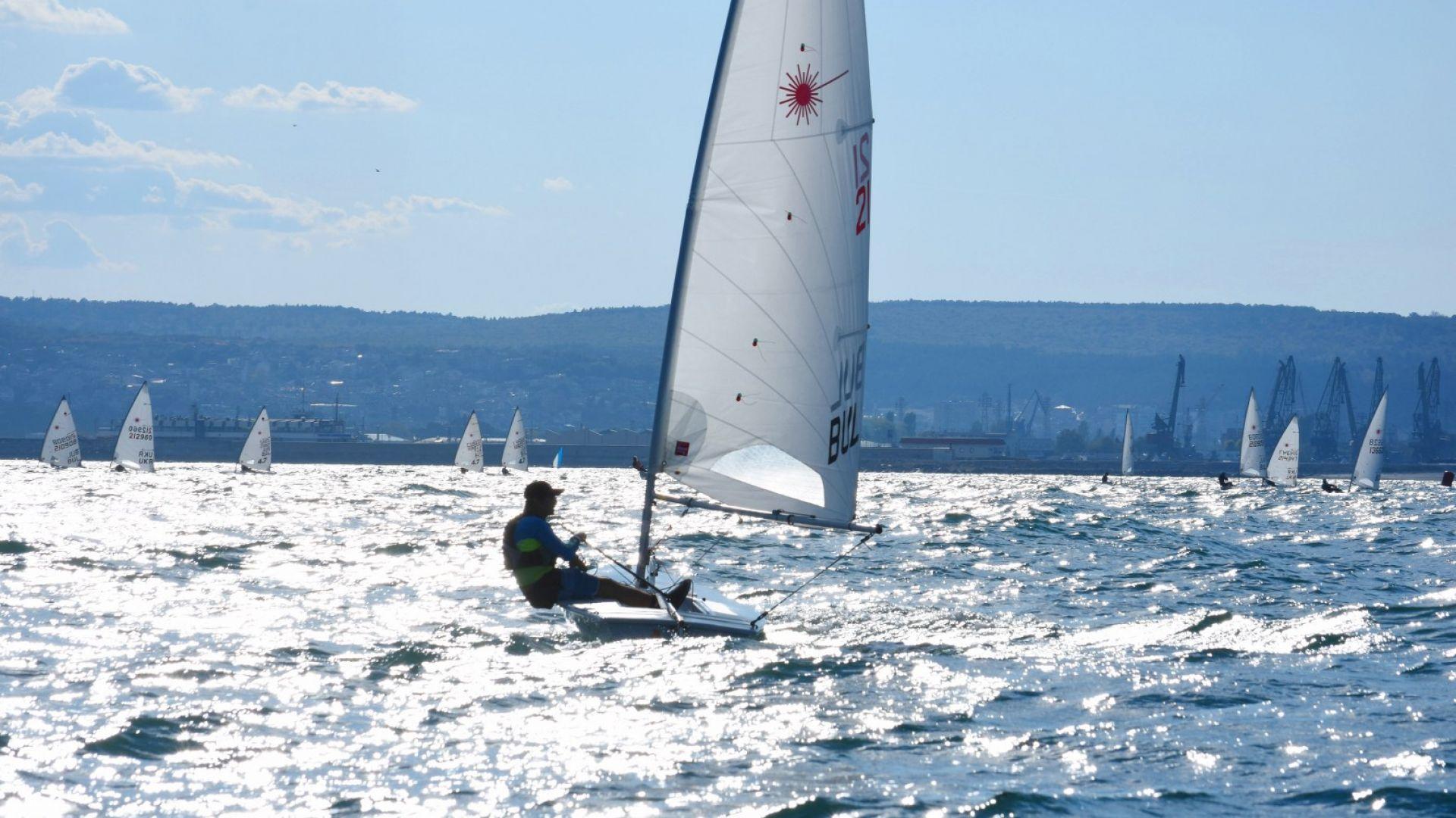 Беше даден старт на ветроходното шоу във Варна (галерия)