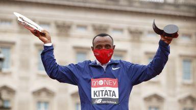 Изненадващ шампион в маратона под проливния дъжд в Лондон