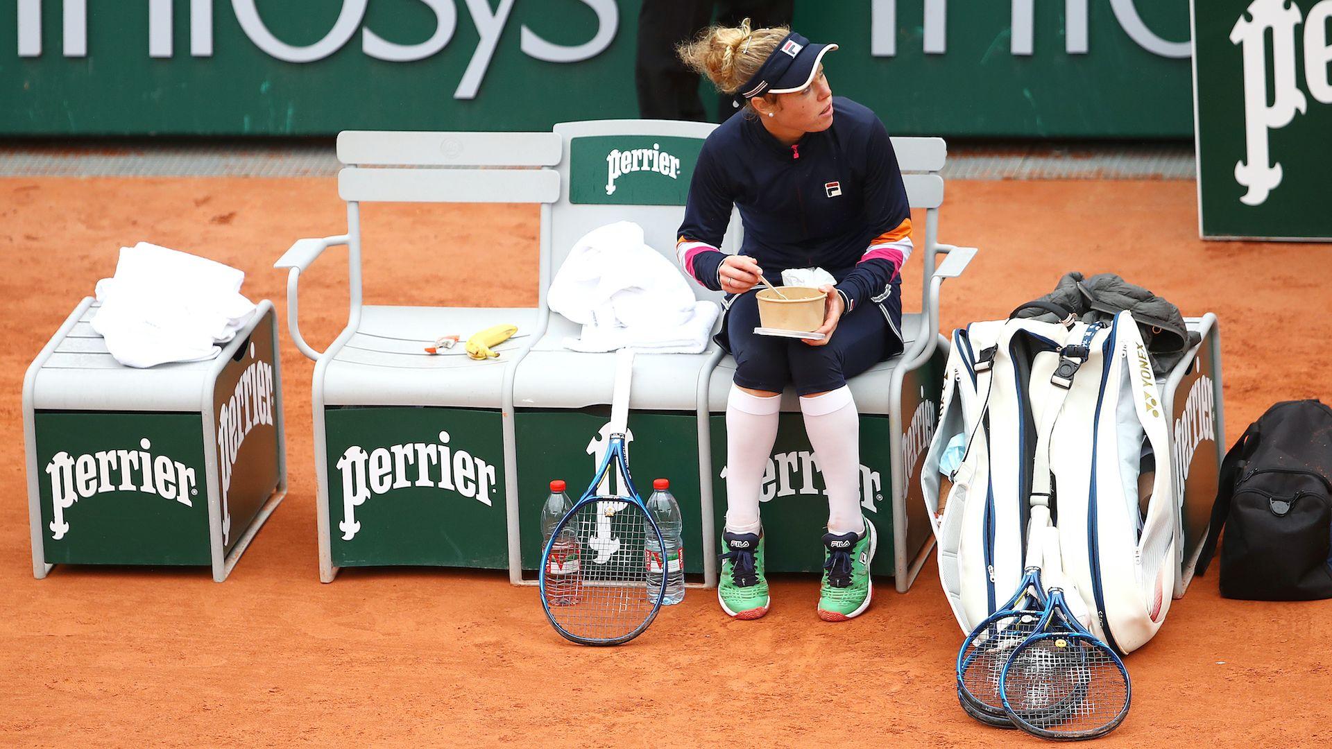 """Германка си похапна на корта, а после стигна до четвъртфинал на """"Ролан Гарос"""""""
