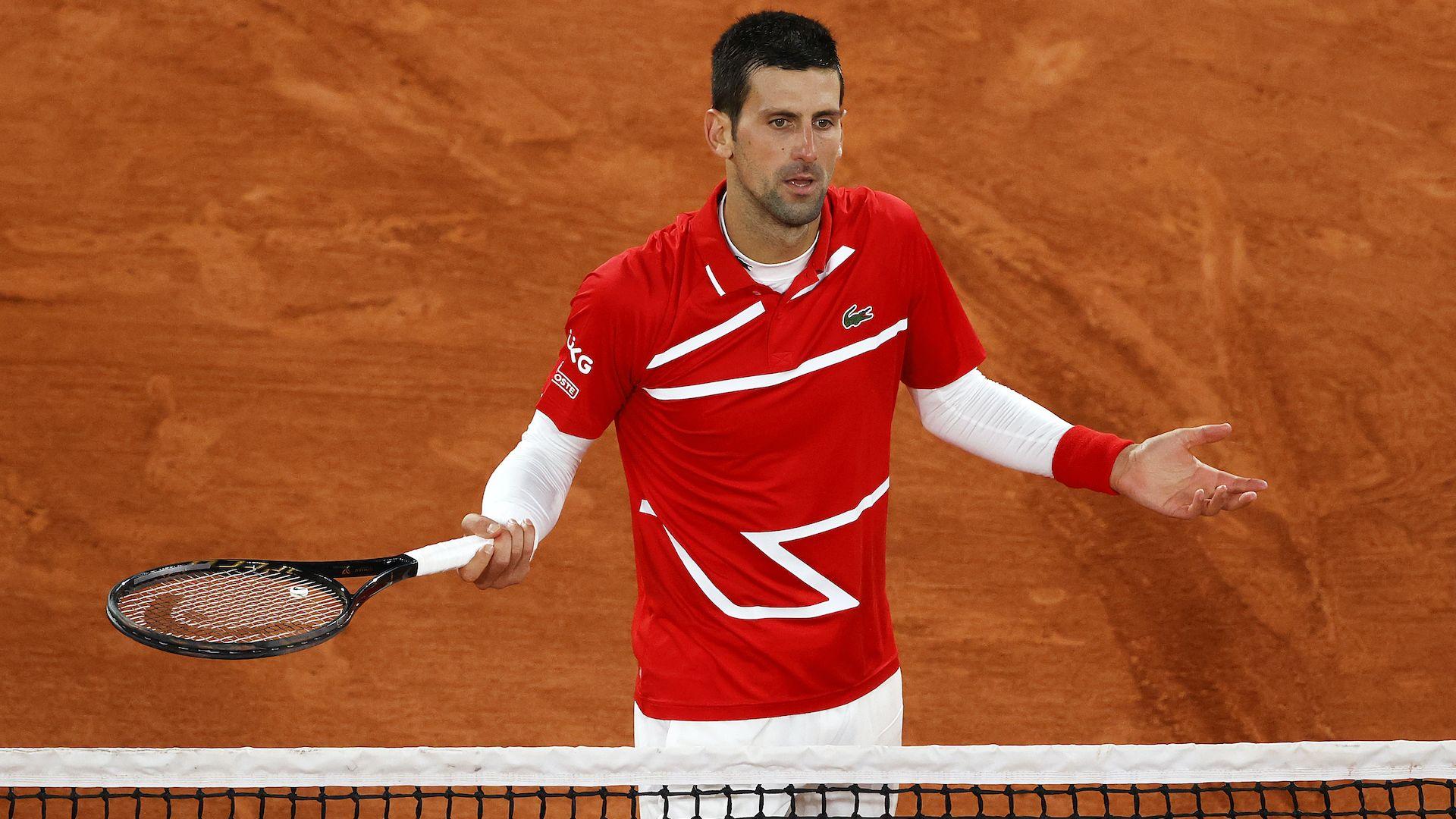 Джокович продължава похода си - на рекорден четвъртфинал е и пак удари съдия с топка