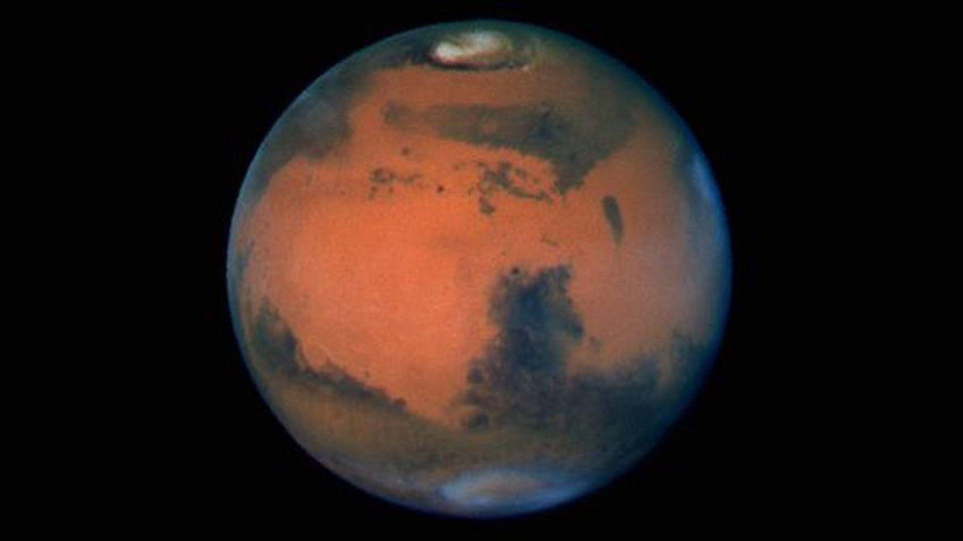 """Тайнствено """"клатушкане"""" движи полюсите на Марс"""