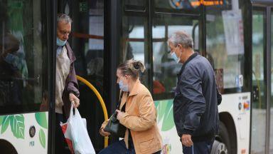 Софиянка атакува съобщенията за носене на маска в автобуса