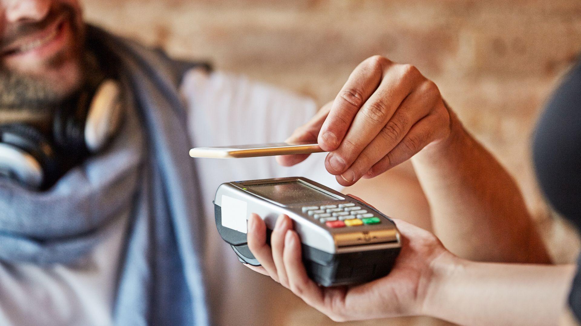 Плащането със смартфон е по-надеждно, по-сигурно и по-удобно