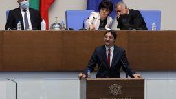 Депутатите отмениха спорната поправка за неустойките при бързи кредити