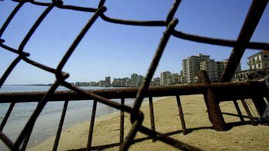 Кипърските турци отвориха града-призрак Вароша