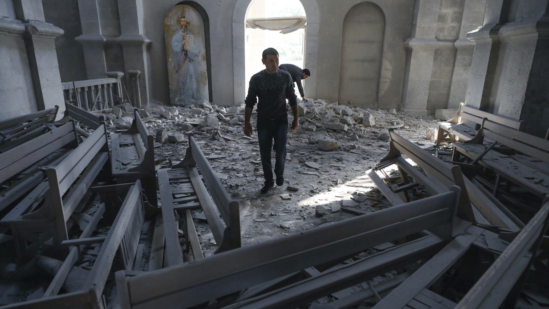 Баку отрече да стои зад бомбардировката над арменската катедрала в Нагорни Карабах