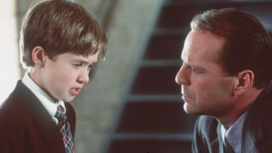 """Помните ли талантливото момче от """"Шесто чувство""""? Няма да повярвате как изглежда днес"""