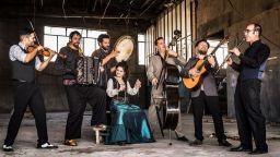 """Огнени ритми с Barcelona Gipsy balKan Orchestra на """"Европейски музикален фестивал"""" 2020"""