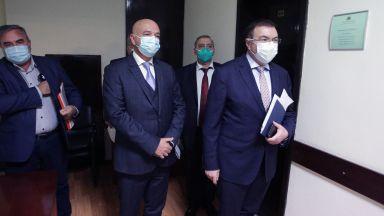 Щабът: Влизаме в сериозна фаза на епидемията, няма достатъчно медици