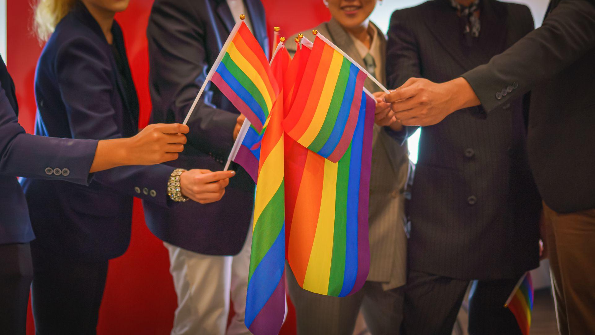 Калифорния задължи със закон корпорациите да вземат в управлението си гейове и цветнокожи
