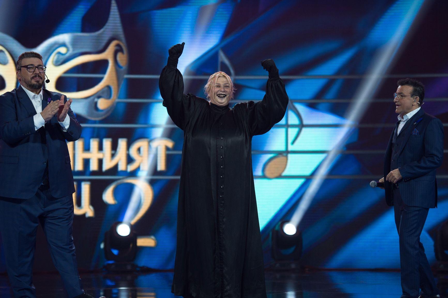 """Милена в """"Маскираният певец"""" 2020"""