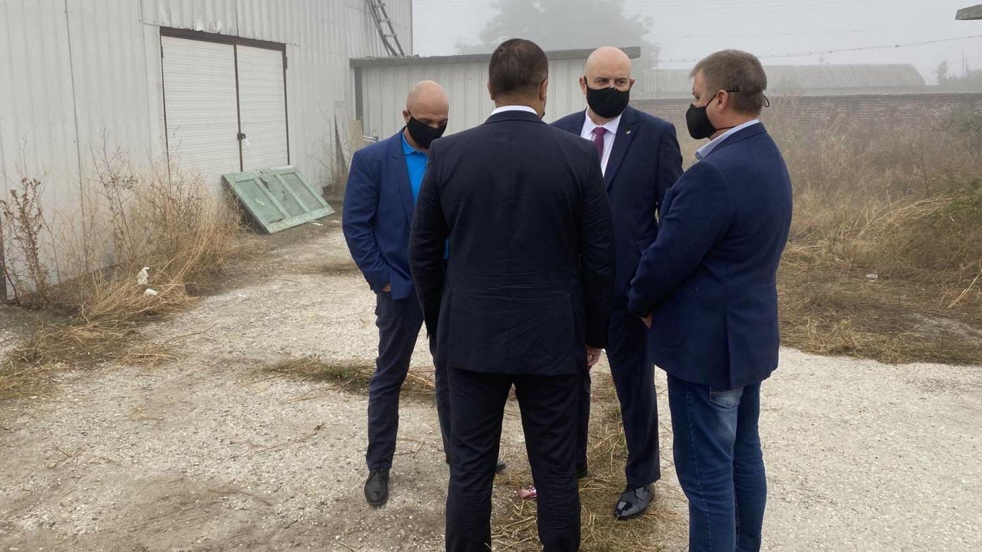 Разкриха нова фабрика за незаконно производство на цигари (снимки)