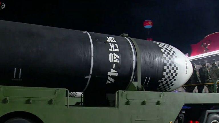 Ракета е с подводно базиране може да носи ядрени бойни глави