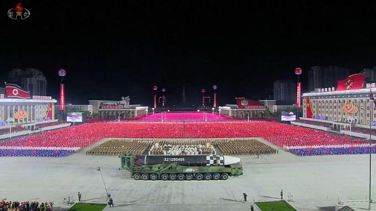 Новата балистична ракета на Северна Корея е с огромни размери