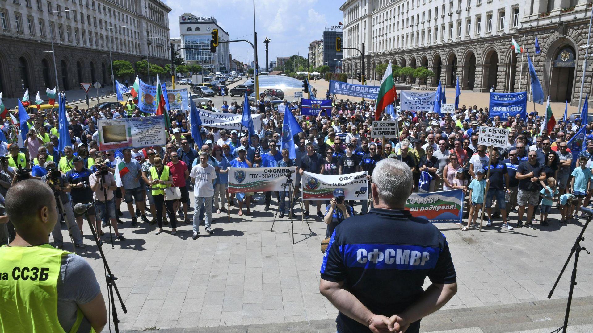 И полицаите пред протест: Искат увеличение на заплатите