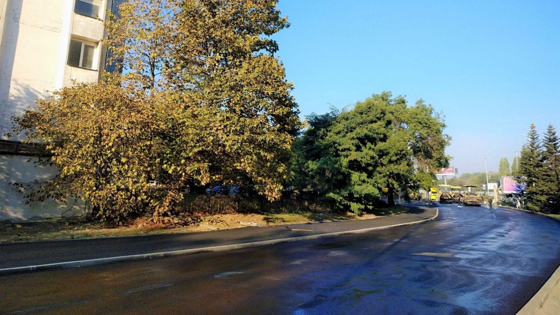 Полагат нов асфалт на основен булевард в Бургас