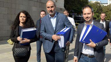 """Цветанов внесе документите за регистрация на """"Републиканци за България"""""""