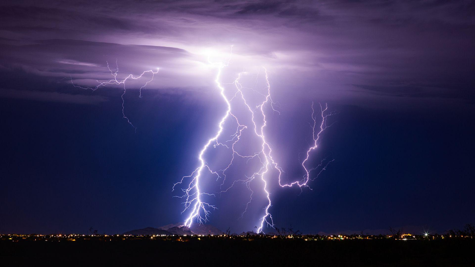 Порои и бури удрят 6 области, жълт код - в останалата част на страната
