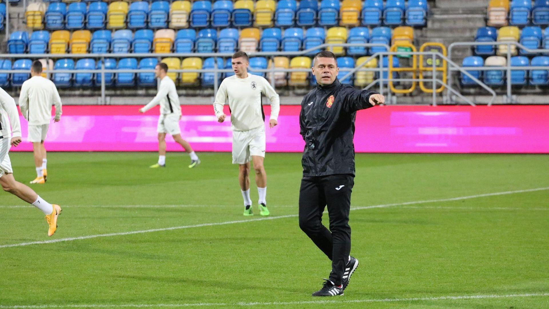 С мисъл само за победа, младежите на България излизат в мача на годината днес