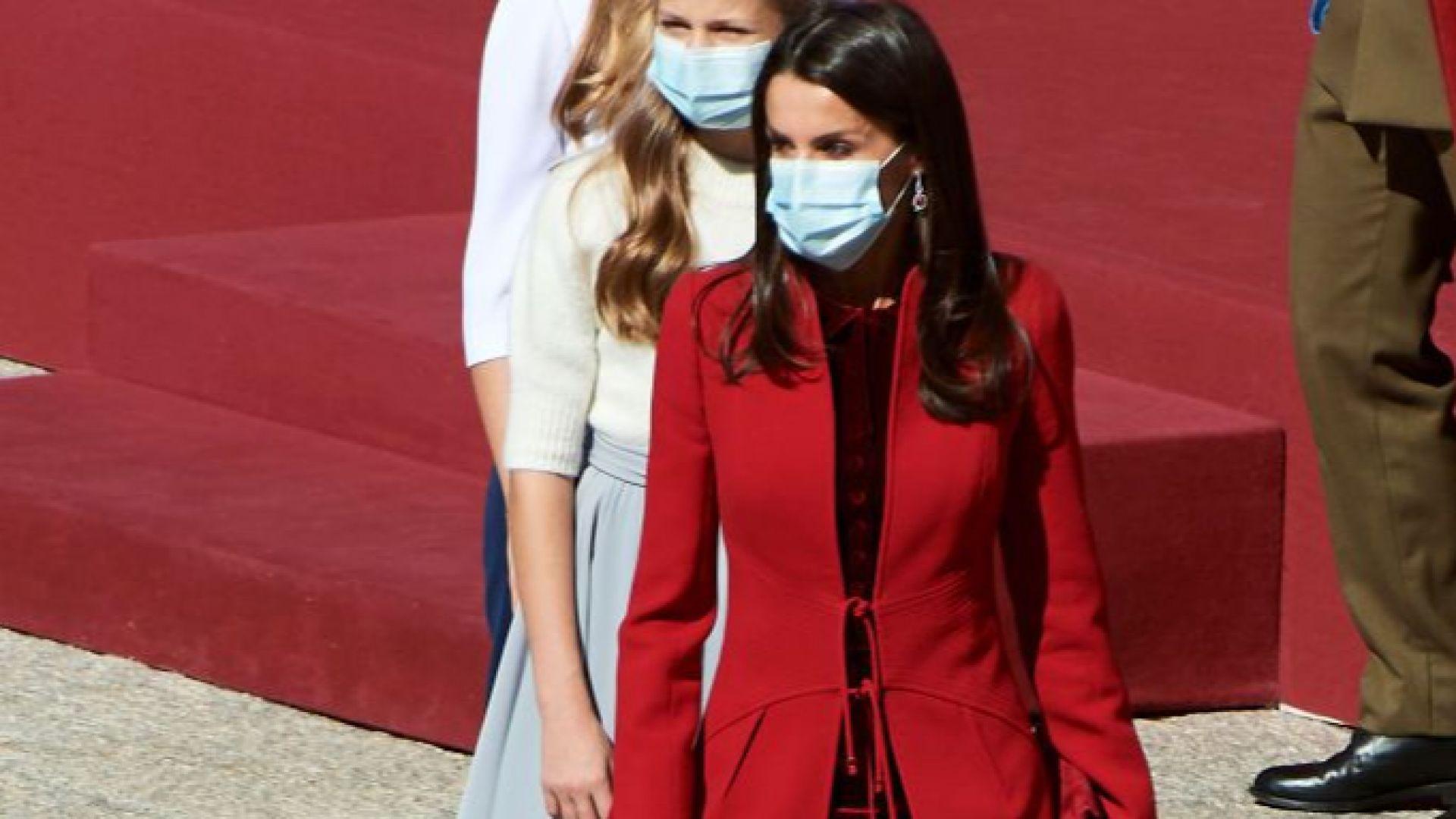 Стил в червено: Кралица Летисия в ярко палто на празника на Испания