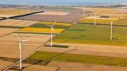 """ВЯЕЦ """"Свети Никола"""" произведе 23% повече електроенергия от вятър през деветмесечието на 2020 г. спрямо същия период на 2019 г."""