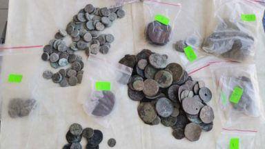 Задържаха мъже за лихварство, наркотици и контрабанда на артефакти (снимки)