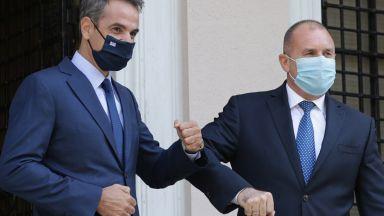 """Румен Радев проведе разговор на """"четири очи"""" с гръцкия премиер Мицотакис"""