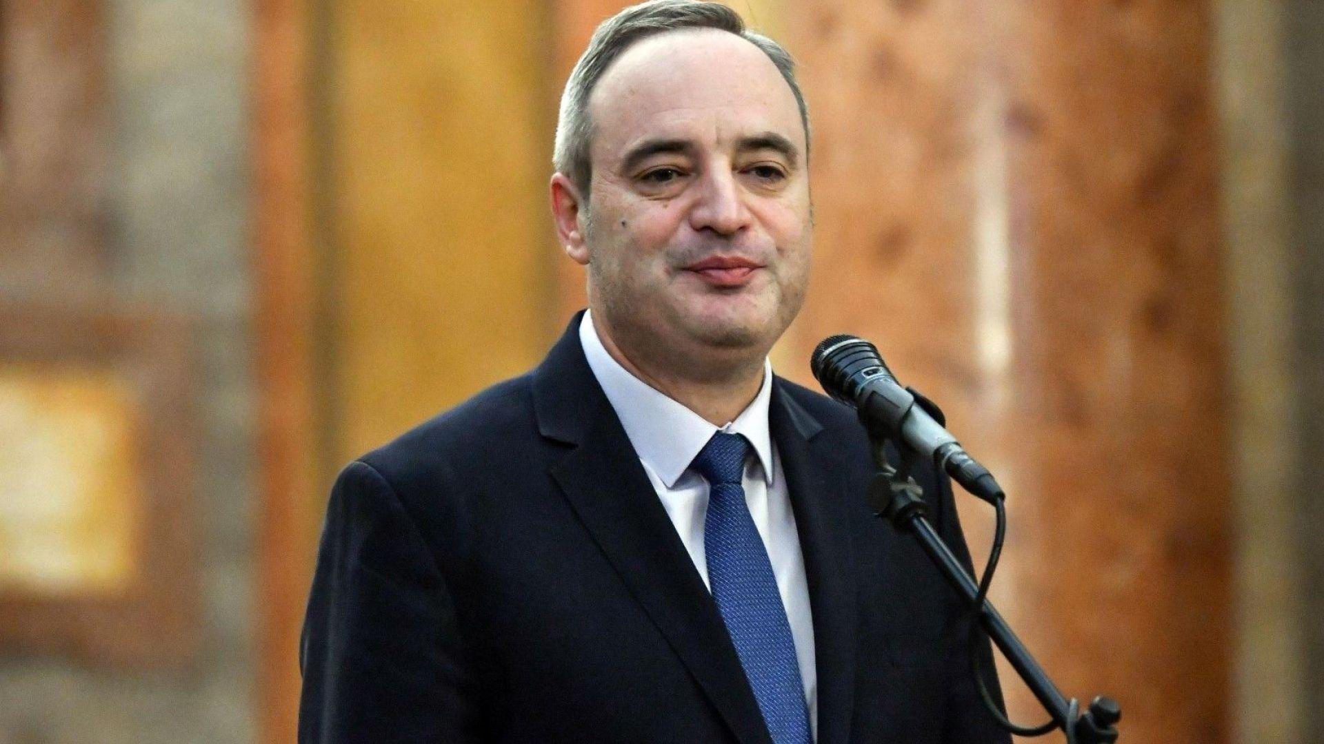 Политолог: СУ не трябва да легитимира лидер, който не смее да се включи в кампанията