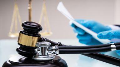 3 г. затвор за шофьор, прегазил лекар пред болница със 113 км/ч и дрифт