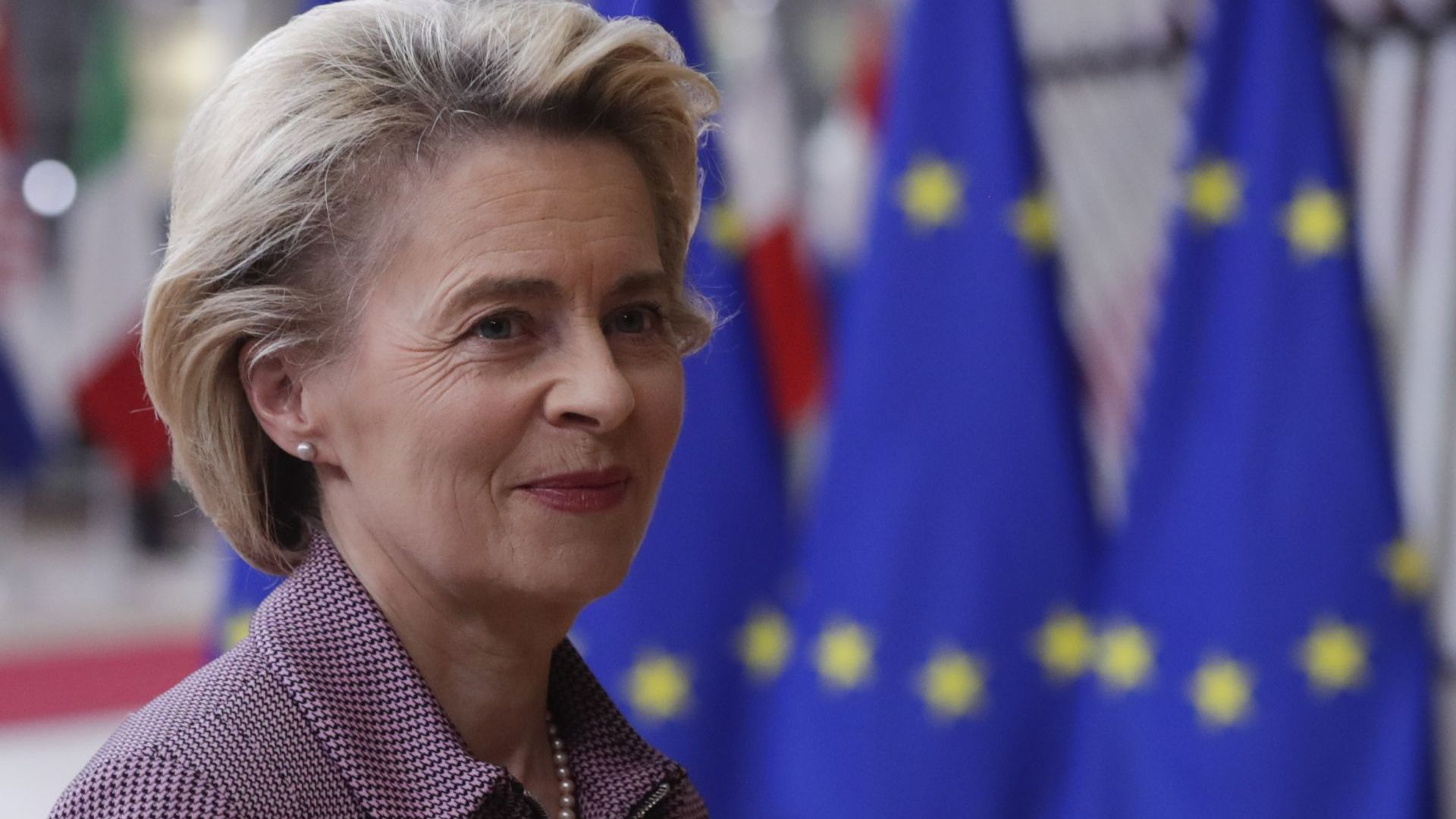 След срещата с Бойко Борисов: Урсула Фон дер Лайен се изолира заради сътрудник с COVID